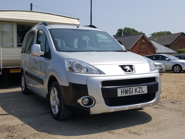 Image of Peugeot Partner Used Car For Sale on the Isle of Wight for Vehicle 5412