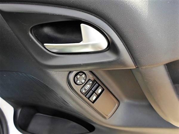 Car For Sale Citroen C3 - PK15KZO Sixers Group Image #15