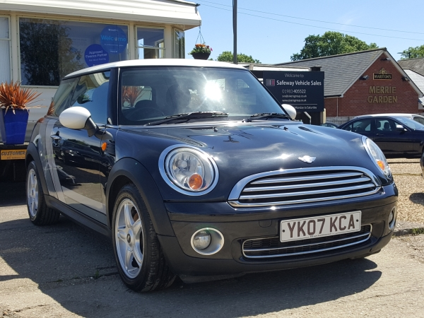 Image of Mini Cooper Used Car For Sale on the Isle of Wight for Vehicle 7103