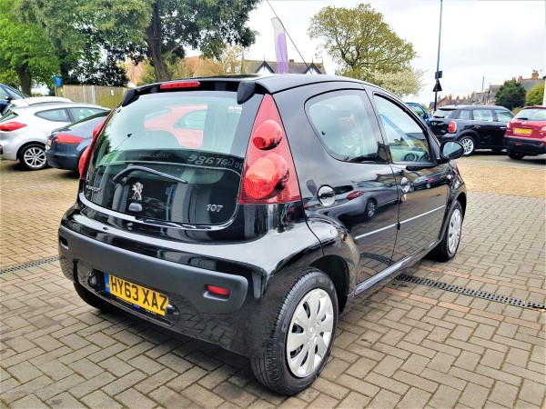 Image of Peugeot 107 Used Car For Sale on the Isle of Wight for Vehicle 7104
