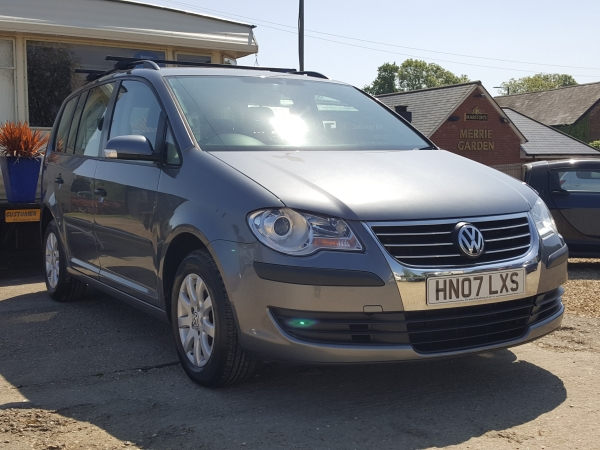 Image of Volkswagen Touran Used Car For Sale on the Isle of Wight for Vehicle 7119