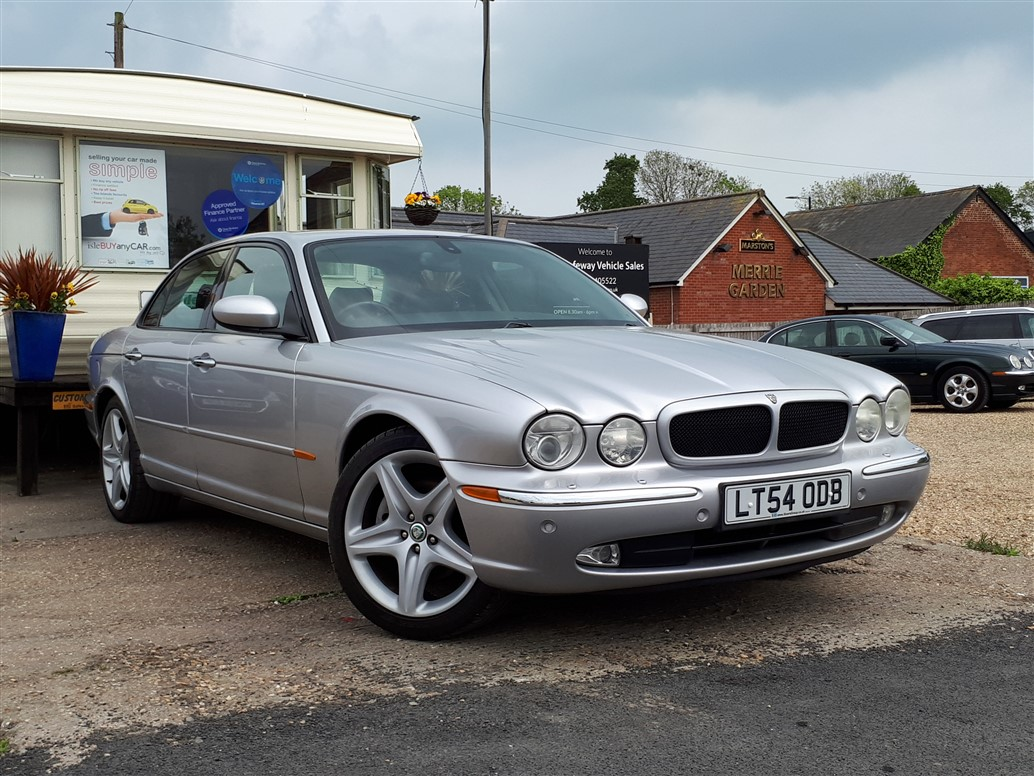 Image of Jaguar XJ8 Used Car For Sale on the Isle of Wight for Vehicle 7197