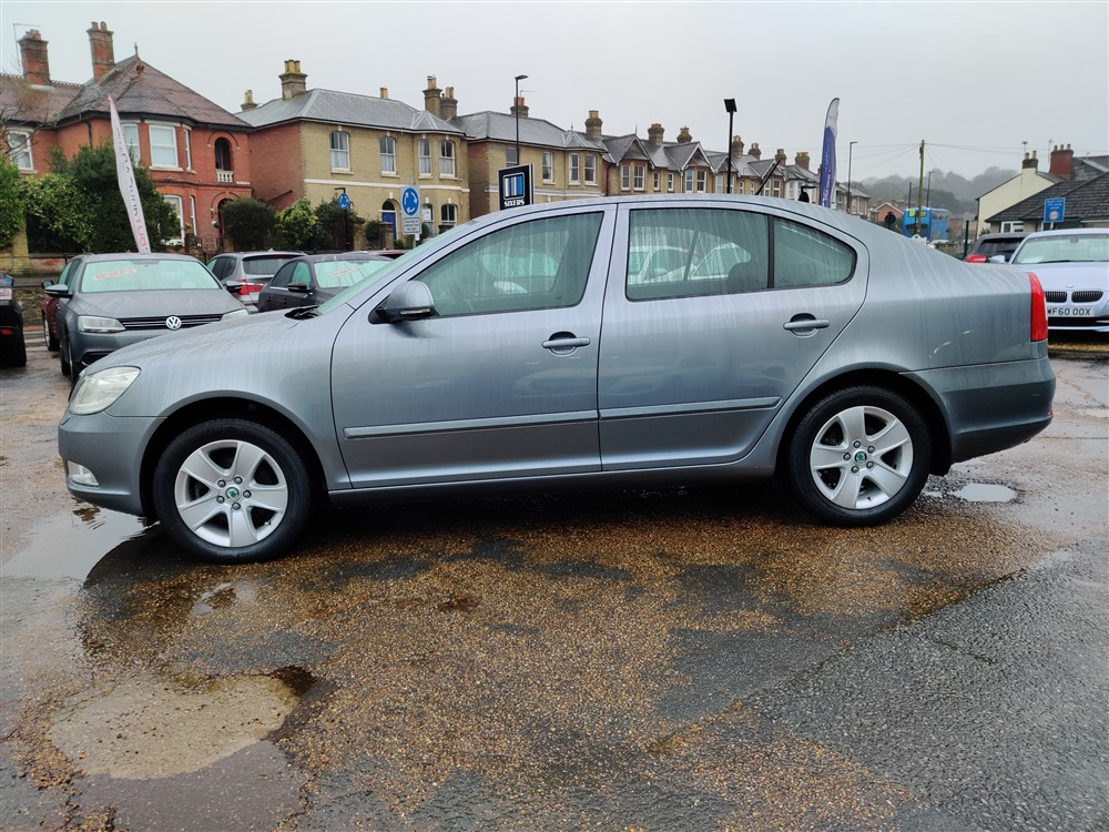 Car For Sale Skoda Octavia - YE62NKF Sixers Group Image #5