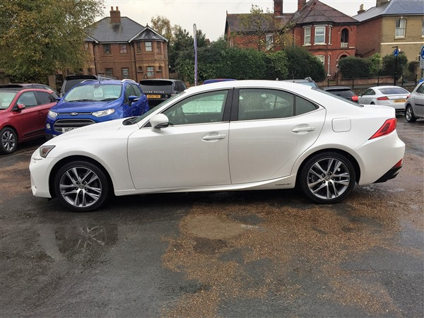 Image of Lexus IS 300 Used Car For Sale on the Isle of Wight for Vehicle 7311