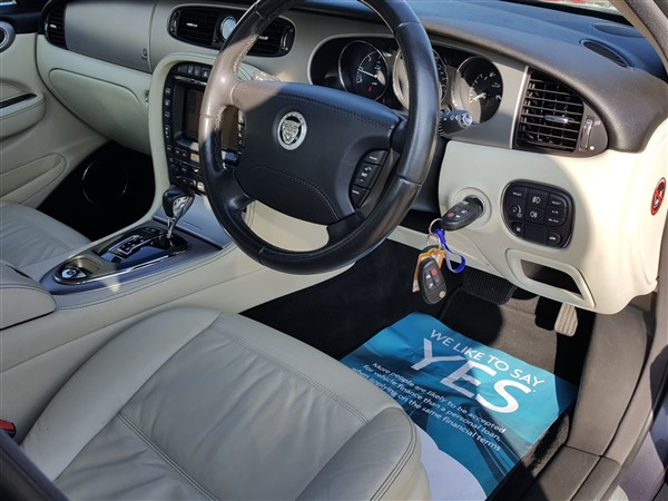Car For Sale Jaguar XJ - AP57UKM Sixers Group Image #23
