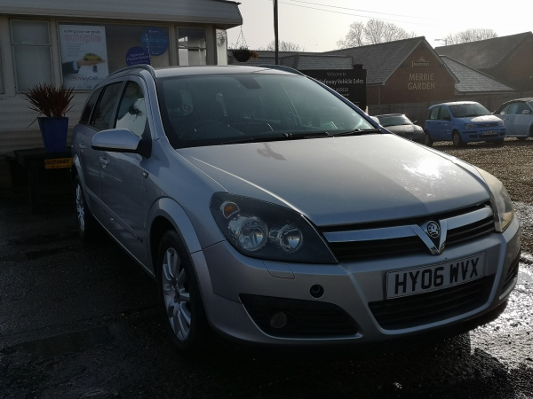Image of Vauxhall Astra Used Car For Sale on the Isle of Wight for Vehicle 7411