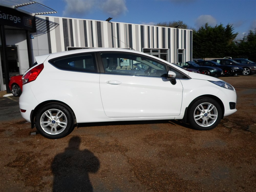 Image of Ford Fiesta Used Car For Sale on the Isle of Wight for Vehicle 7592