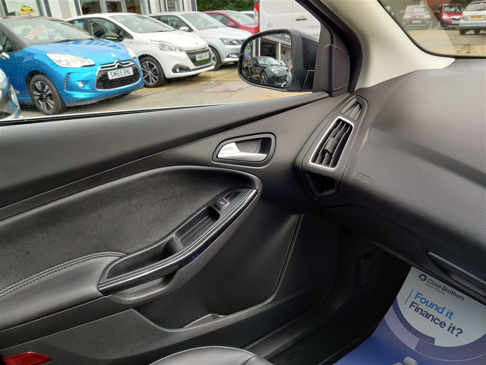 Image of Ford Focus Used Car For Sale on the Isle of Wight for Vehicle 7650