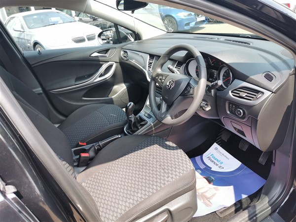 Car For Sale Vauxhall Astra - DN17YPD Sixers Group Image #14