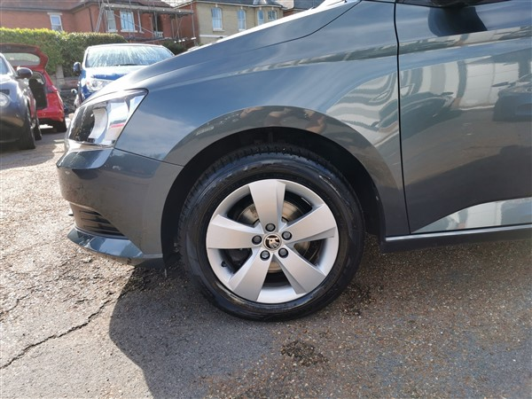 Car For Sale Skoda Fabia - HW18GXL Sixers Group Image #9