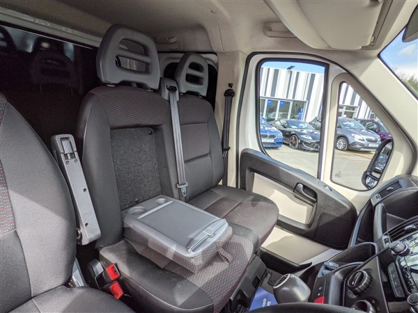 Car For Sale Citroen Relay 35 L3 BlueHDI - CN18FFW Sixers Group Image #13