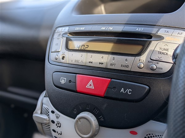 Car For Sale Citroen C1 - HW13GYX Sixers Group Image #17