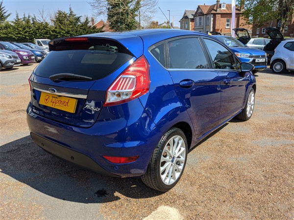 Car For Sale Ford Fiesta - FD65AUX Sixers Group Image #7