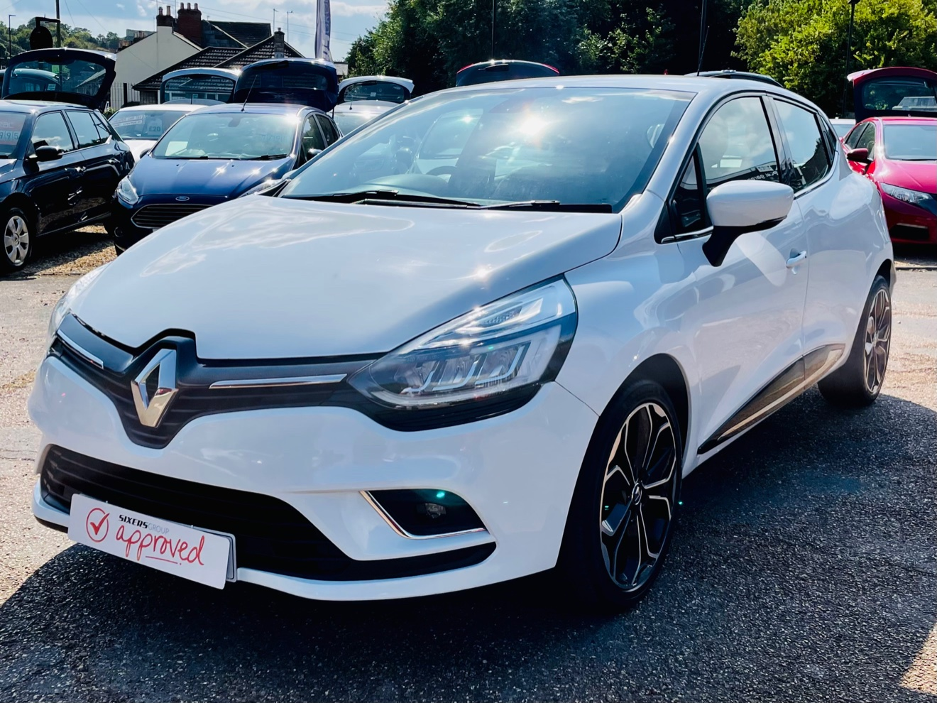Car For Sale Renault Clio - HW17HBF Sixers Group Image #3