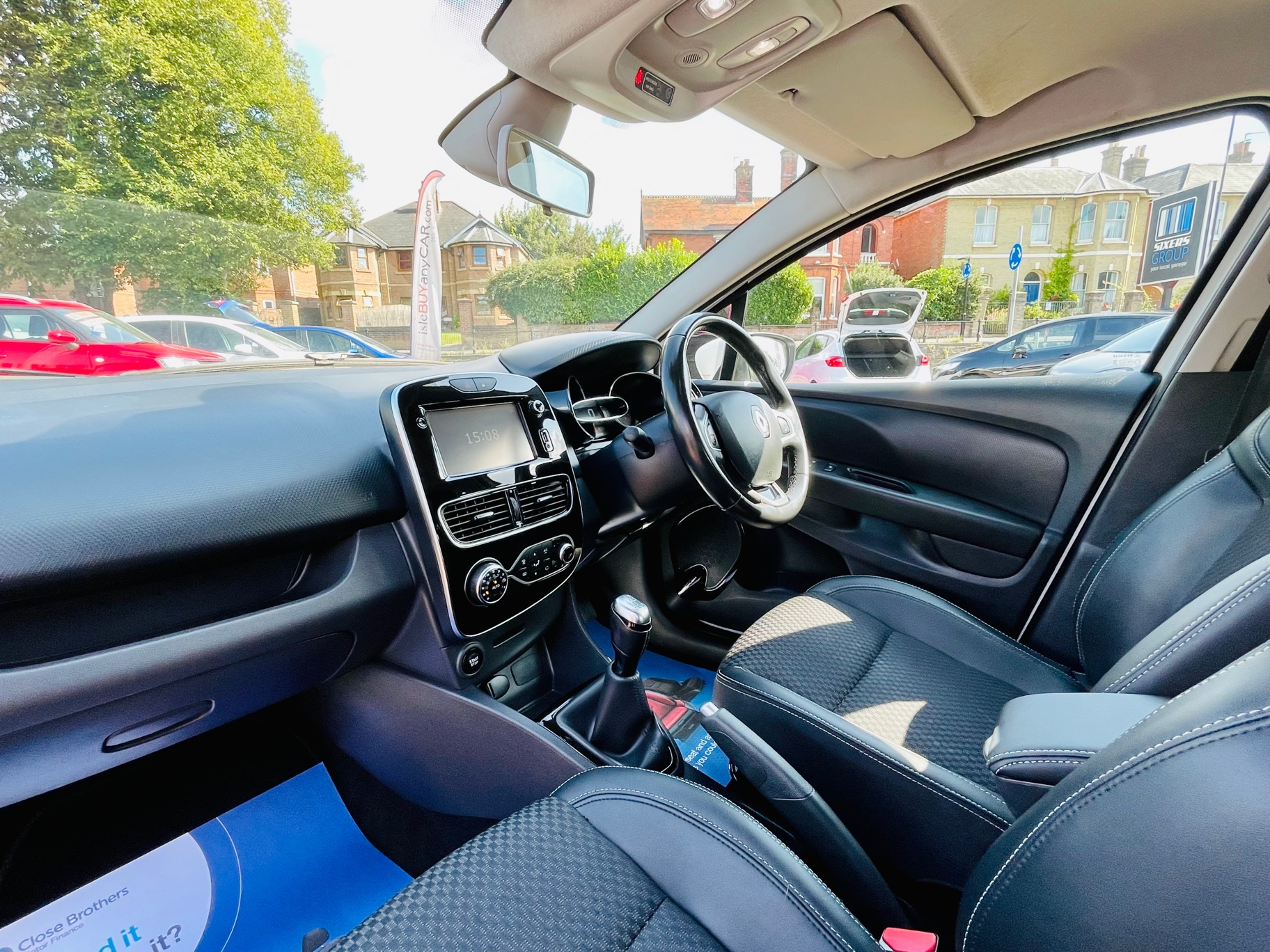Car For Sale Renault Clio - HW17HBF Sixers Group Image #4