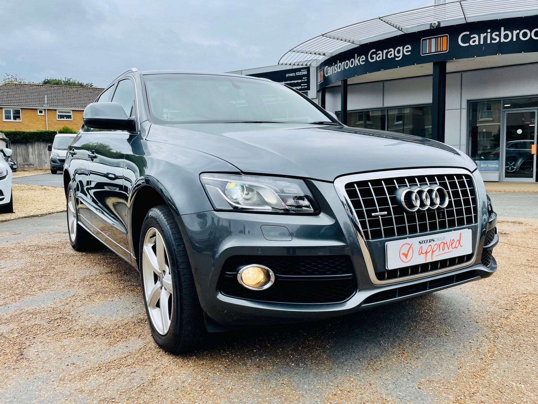 Car For Sale Audi Q5 - HW10OFL Sixers Group Image #0