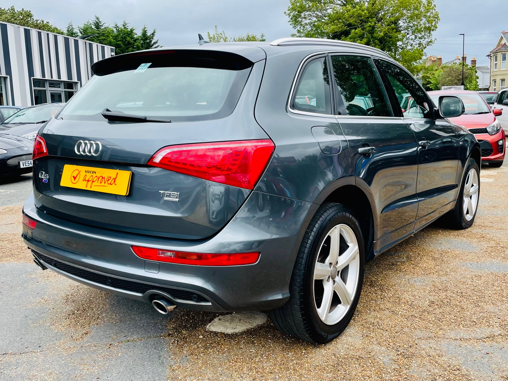 Car For Sale Audi Q5 - HW10OFL Sixers Group Image #3