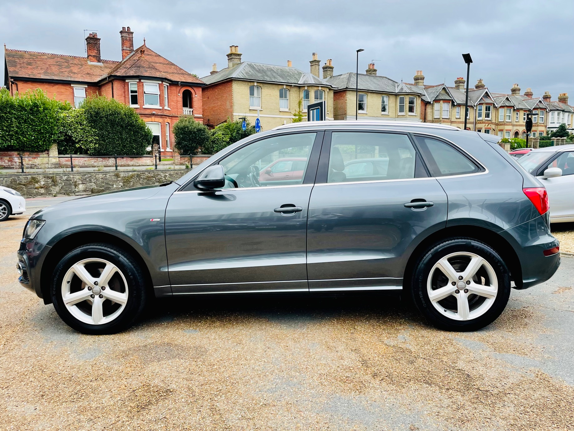 Car For Sale Audi Q5 - HW10OFL Sixers Group Image #5