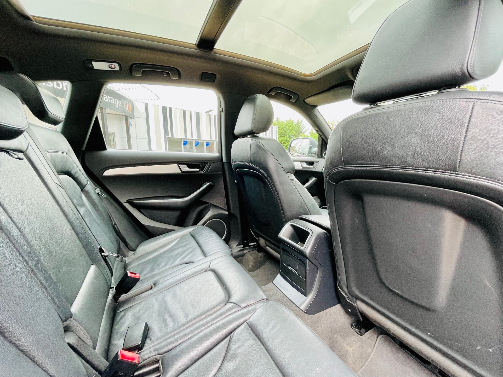 Car For Sale Audi Q5 - HW10OFL Sixers Group Image #8