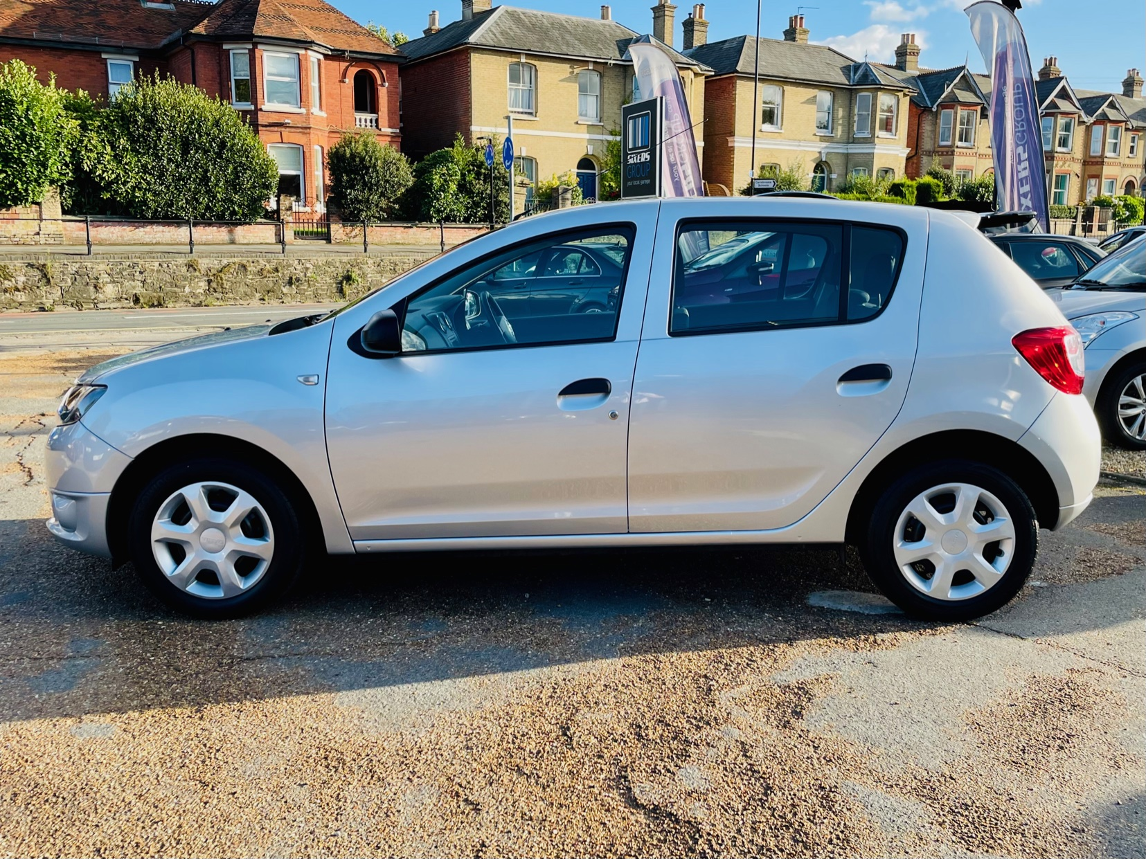 Car For Sale Dacia Sandero - HW15JHZ Sixers Group Image #5